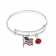 adjustable wire bracelet with American Flag